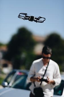 Starten und sehen sie quadrocopter, drohne