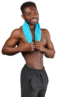 Stattlicher afroamerikaner-mann mit dem tuch getrennt auf weiß