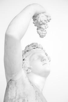 Statue mit trauben, klassische pose, original (über 1600 jahre alt)