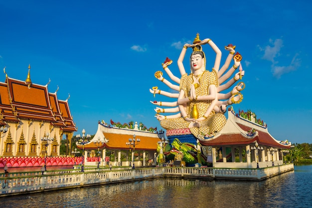 Statue von shiva auf der insel samui, thailand