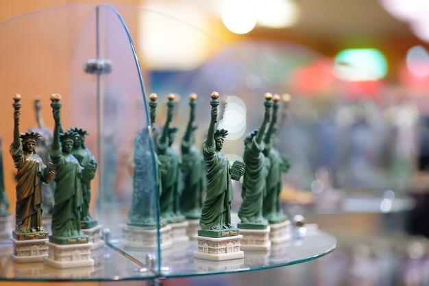 Statuetten der skulptur freiheitsstatue