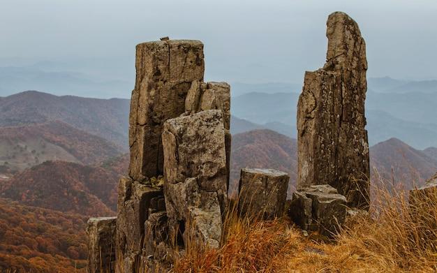 Stehender nationalpark felsen mudeungsan, gwangju, südkorea.