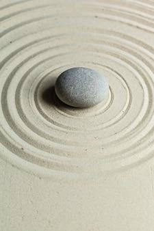 Stein im zen-garten
