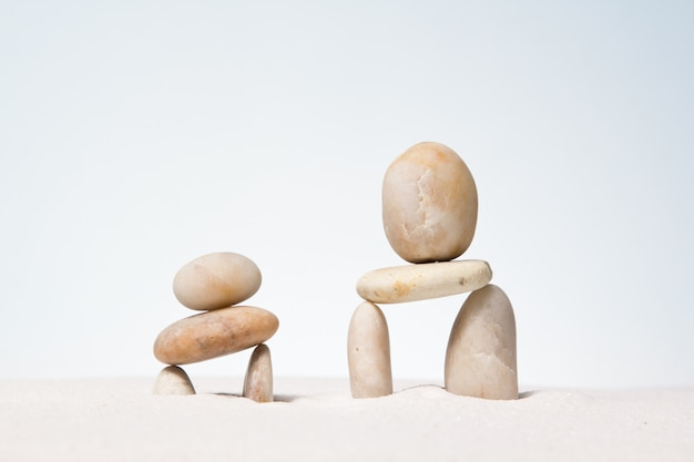 Steine gestapelt.