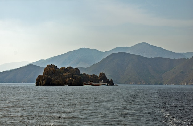 Steininsel in der ägäis
