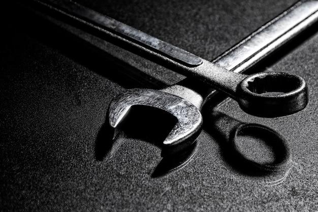 Stellen sie schlüssel für reparaturarbeit allgemeines / selektiven fokus / kopienraum ein