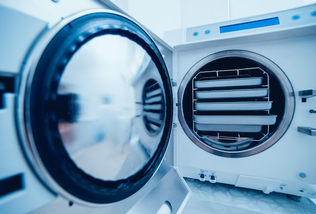 Sterilisation medizinischer instrumente im autoklaven