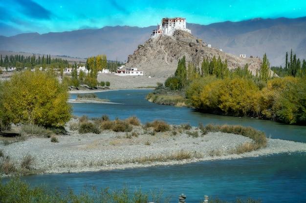 Sternennacht in nordteil indiens natur- und landschaftsansicht in leh ladakh indien