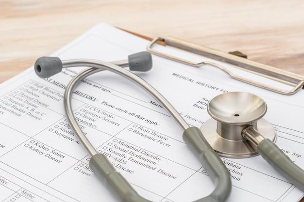 Stethoskop auf patienteninformation