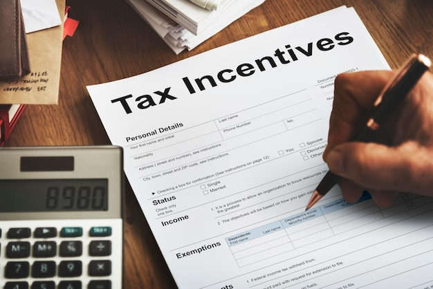 Steueranreize audit benefit barzahlung einkommen konzept