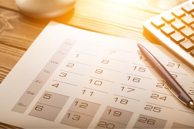 Steuerfälligkeitsdatum im kalender markiert