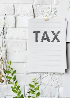 Steuerplakat auf weißer wand