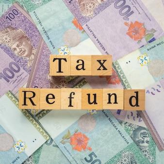 Steuerrückerstattungstext auf einer banknote