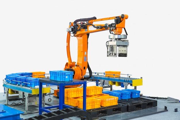Steuerung des industrieroboterarms für die durchführung, abgabe, handhabung und verpackung von anwendungen in der fabrik des produktionslinienherstellers.