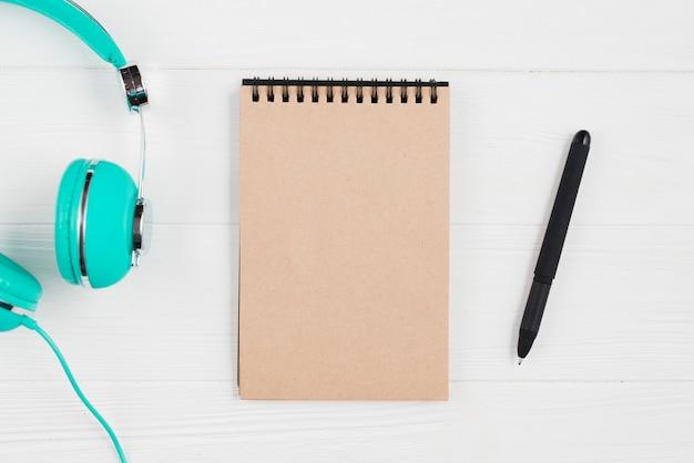 Stift und kopfhörer