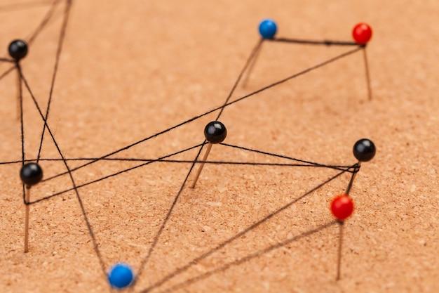 Stifte verbunden, ein netzwerk erstellend