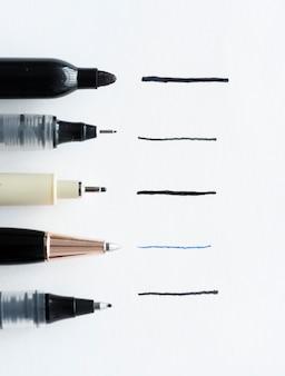 Stiftgrößensammlung isoliert auf weißem hintergrund