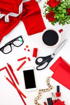 Stillleben der modefrau, objekte auf weiß