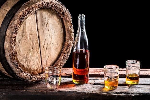Stillleben mit bier und flasche