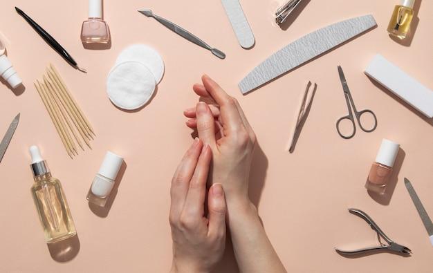Stillleben-sortiment an nagelpflegeprodukten