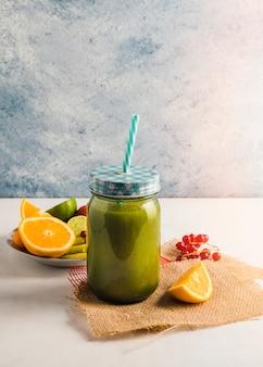 Stillleben von gesunden smoothie