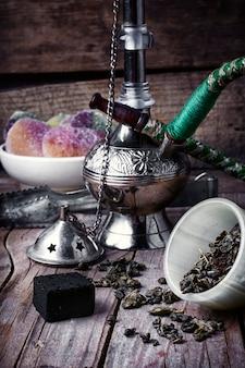 Stilvolle arabische wasserpfeife