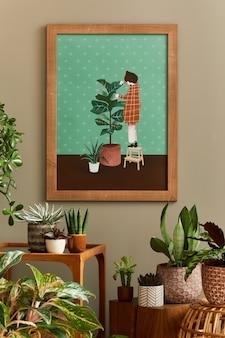 Stilvolle botanik-komposition des hausgarten-interieurs mit holzrahmen, gefüllt mit vielen schönen zimmerpflanzen, kakteen, sukkulenten in verschiedenen designtöpfen und floralen accessoires.