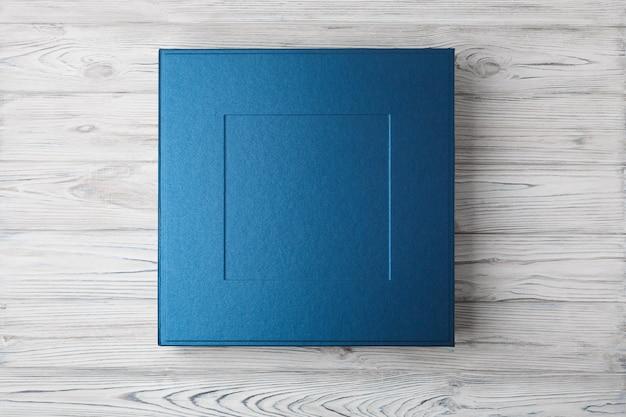 Stilvolle quadratische schachtel für fotobücher