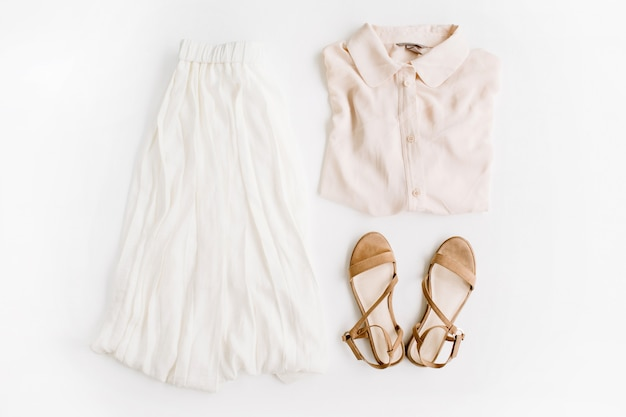 Stilvolle, trendige feminine kleidung