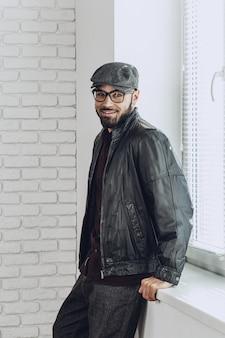 Stilvoller afroamerikanischer mann