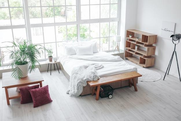 Stilvolles interieur des modernen schlafzimmers