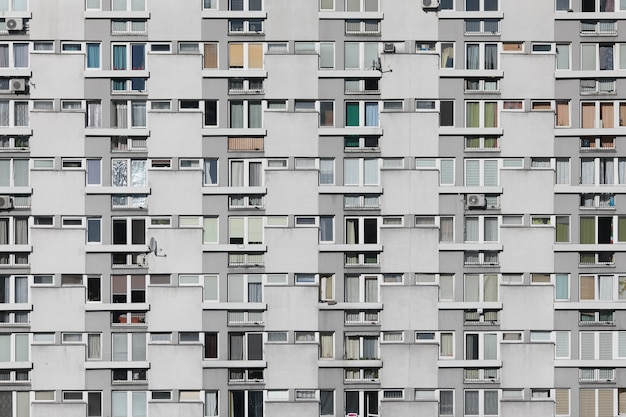 Stock foto der fassade des modernen wohn- oder hotelgebäudes