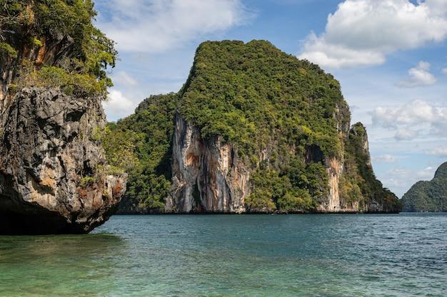 Stock foto von friedlicher landschaft in wilder natur