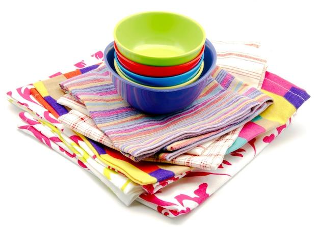Stoffservietten und küchenschale