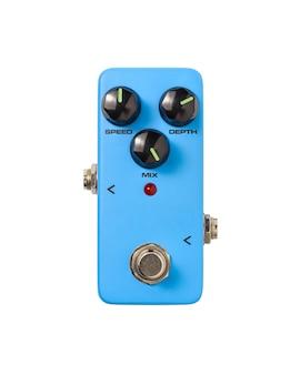 Stomp box e-gitarre signal chorus effekte fußpedal auf weiß isoliert