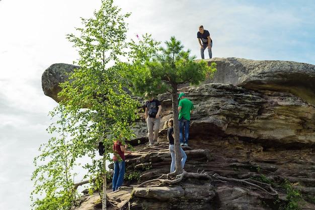 Stone city perm region russland turtle rock naturlandschaft wahrzeichen reserve park