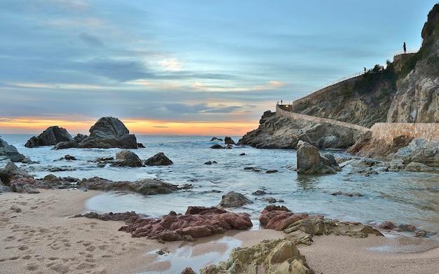 Strand von lloret de mar an der costa brava