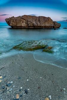 Strand von piedra paloma, casares, màlaga, spanien