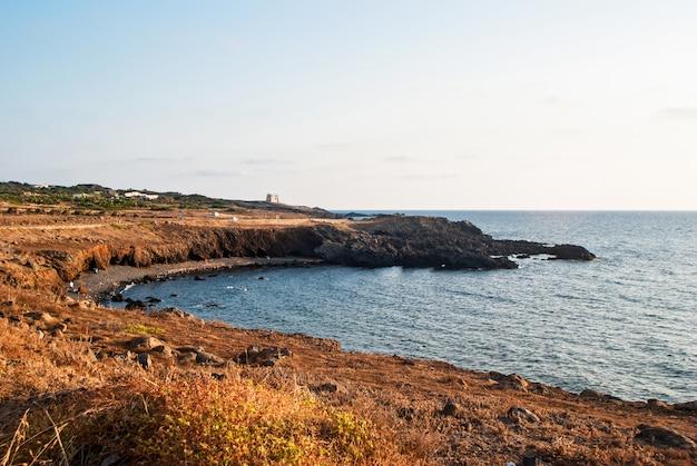 Strand von spalmatore. ustica island