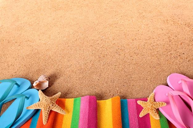 Strandgrenze mit flip flops