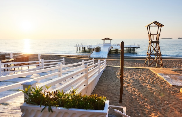 Strandholzhütte für küstenwache.