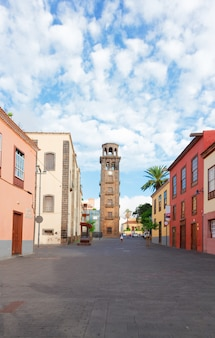 Straße der altstadt von la laguna, teneriffa, spanien