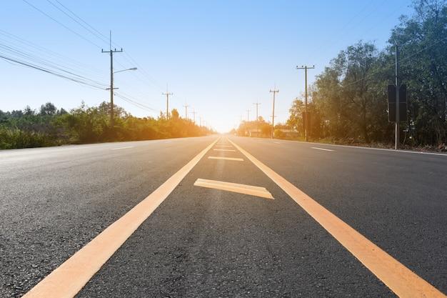 Straße für den transport auf der straße