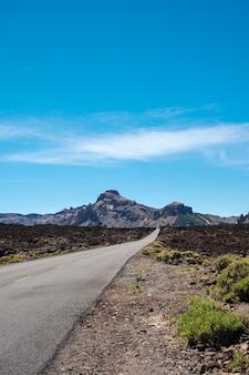 Straße im nationalpark teide