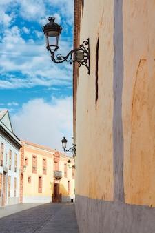Straße in der alten kolonialstadt la laguna, teneriffa, spanien