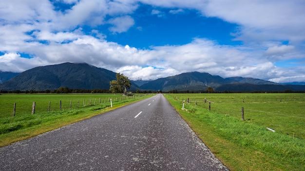 Straße mit natürlichem blick