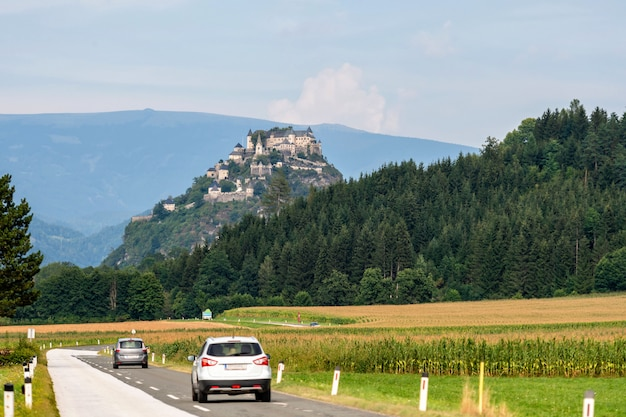 Straße zum schloss hochosterwitz, kärnten, österreich