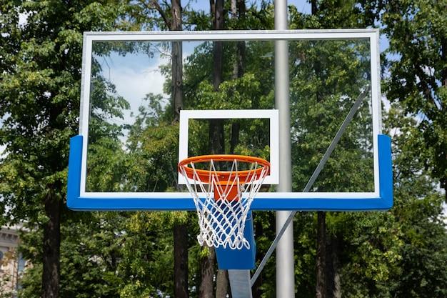 Straßenbasketballkorb. konzeptsport, straßenbasketball.