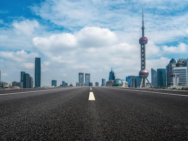 Straßenboden und urbane architekturlandschaft Premium Fotos