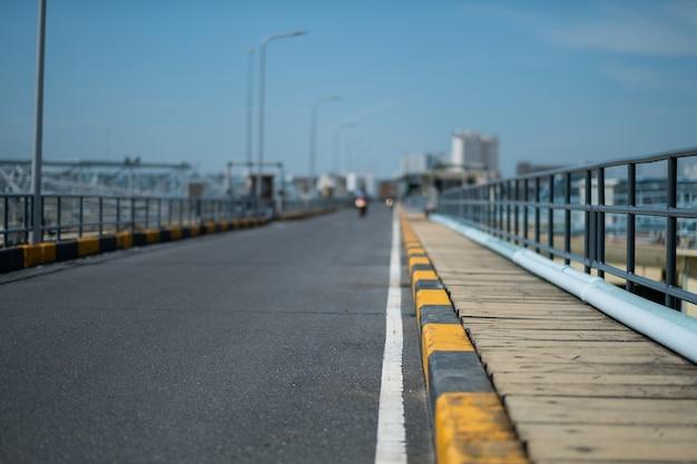 Straßenhintergrund mit selektivem fokus